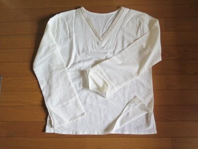 生成りのシャツ 品番 B