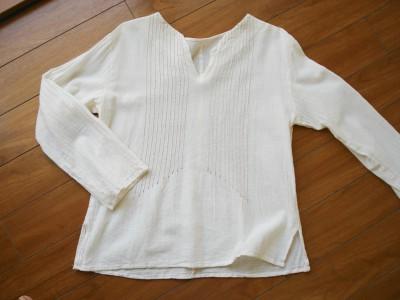 生成りのシャツ 品番 C