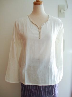 生成りのシャツ 品番 D